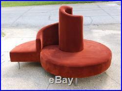 90s Mid Century Modern Vladimir Kagan Nautilus/Snail Cloud Circular Settee Sofa