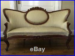 Antique CARVED Couch, SetteeTuftedOrnate VictorianPickup Only