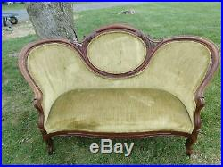 Antique CARVED Settee Tufted Victorian GREEN velvet couchLOCAL PICKUP in OHIO