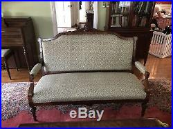 Antique sofa Shell Motif