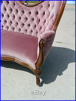 Beautiful Walnut Victorian Sofa circa 1865