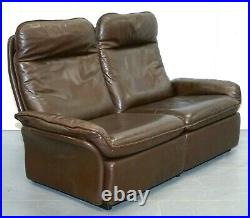 De Sede BROWN LEATHER TWO SEATER SOFA IN VERY GOOD CONDITION WITH ZIPPED CUSHION