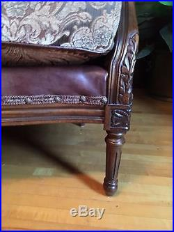 Designer Cristina Ferrare French Style Bel Canto Tufted Love Seat Excellent