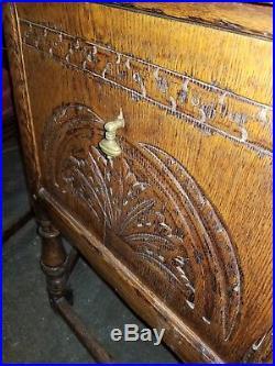 Feudal Oak by Jamestown Lounge co