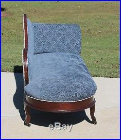 Gorgeous Victorian Walnut Fainting Sofa Chaise Lounge Velvet Fabric Circa 1875