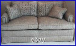 Henredon Custom Upholstered Settee Sofa Two Cushion Sofa Two Throws Grey Fabric