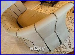 Henredon Sofa Upholstered Roll Over Arms In Excellent Condition STUNNING