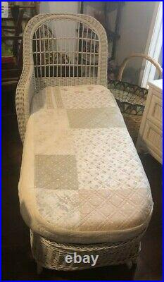 Heywood-Wakefield White Wicker Chaise Lounge Fainting Couch with Company Plaque