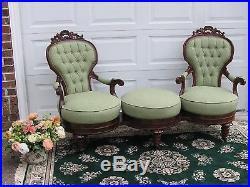 Outstanding Victorian Thomas Brooks Walnut Love Seat