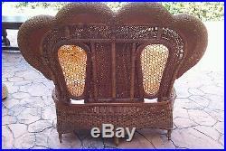 Set Antique Wicker Sofa Love Seat (American) Walnut Frame//Impressive and Sturdy