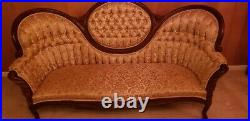 Vintage Pelham, Shell & Leckie Victorian Style Couch. Beautiful fabric & Mahoga