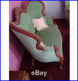 Vintage Victorian Carved Swoop Settee Loveseat Couch Sofa Cameo Rose Ornate Mint